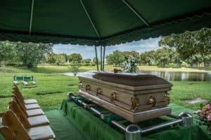 In Deutschland gibt es unterschiedliche Bestattungsarten.