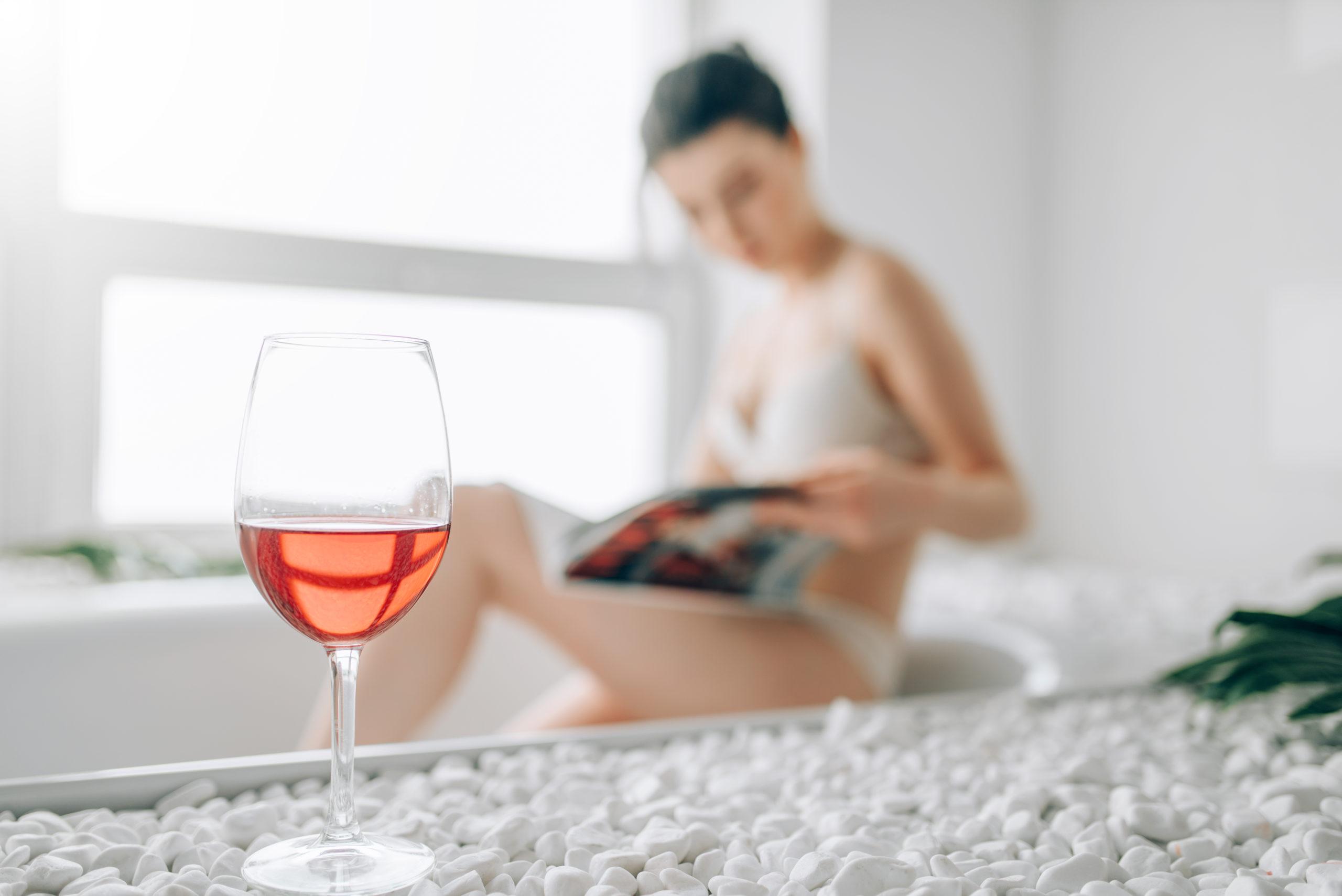 Sex in der Badewanne ist für viele Paare eine prickelnde Fantasie.