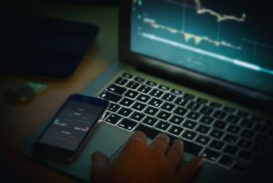 Trader auf Trading-Plattform