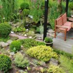Gartenmöbel sollten sich in das Gesamtbild der Natur einfügen.