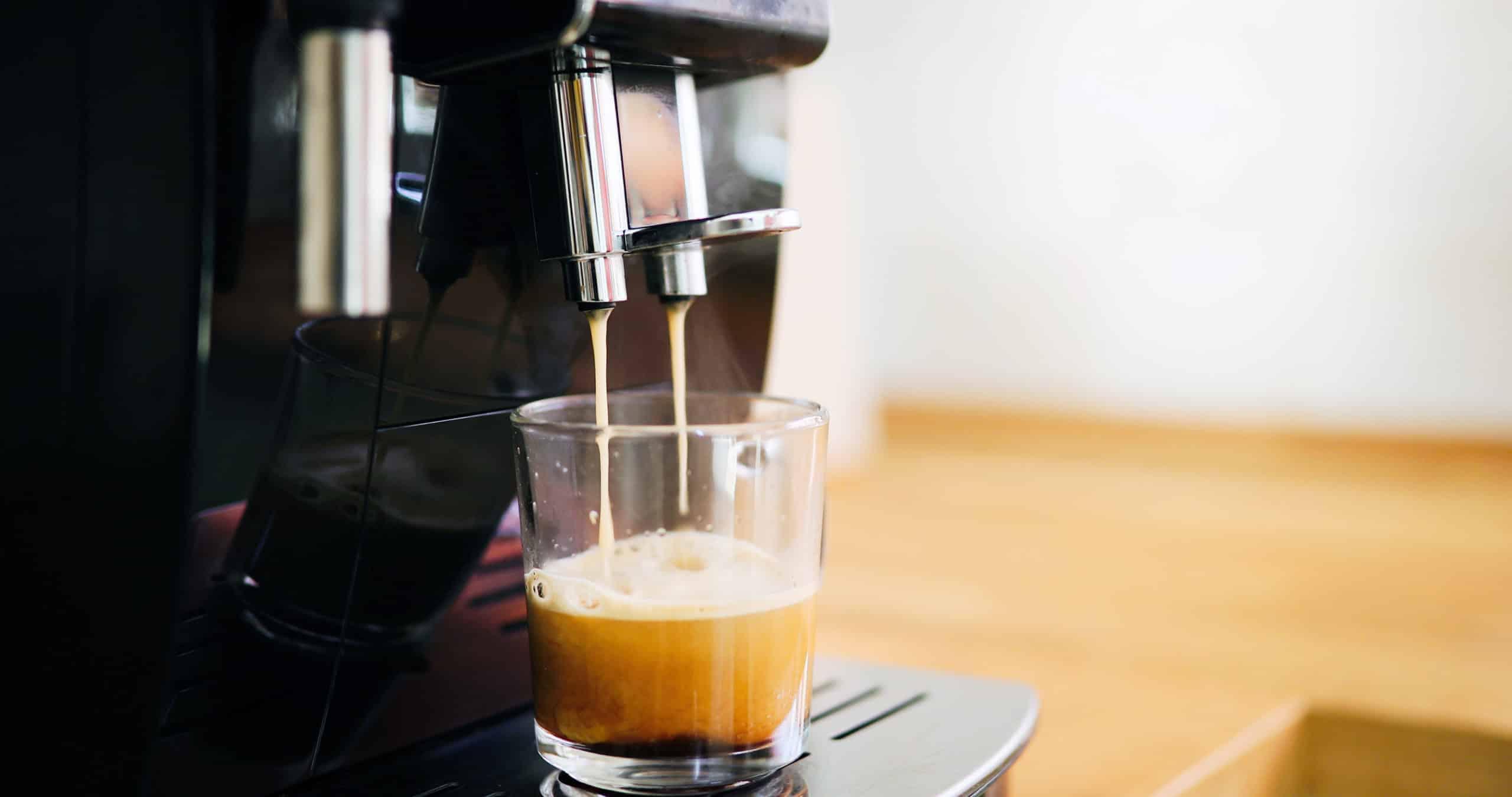 Italienischer Kaffeegenuss gefällig? Mit einer Espressomaschine kein Problem.