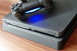 Spielekonsolen wie die Playstation 4 sind die beliebteste Form der Unterhaltungselektronik. Bildquelle InspiredImages Pixabay.