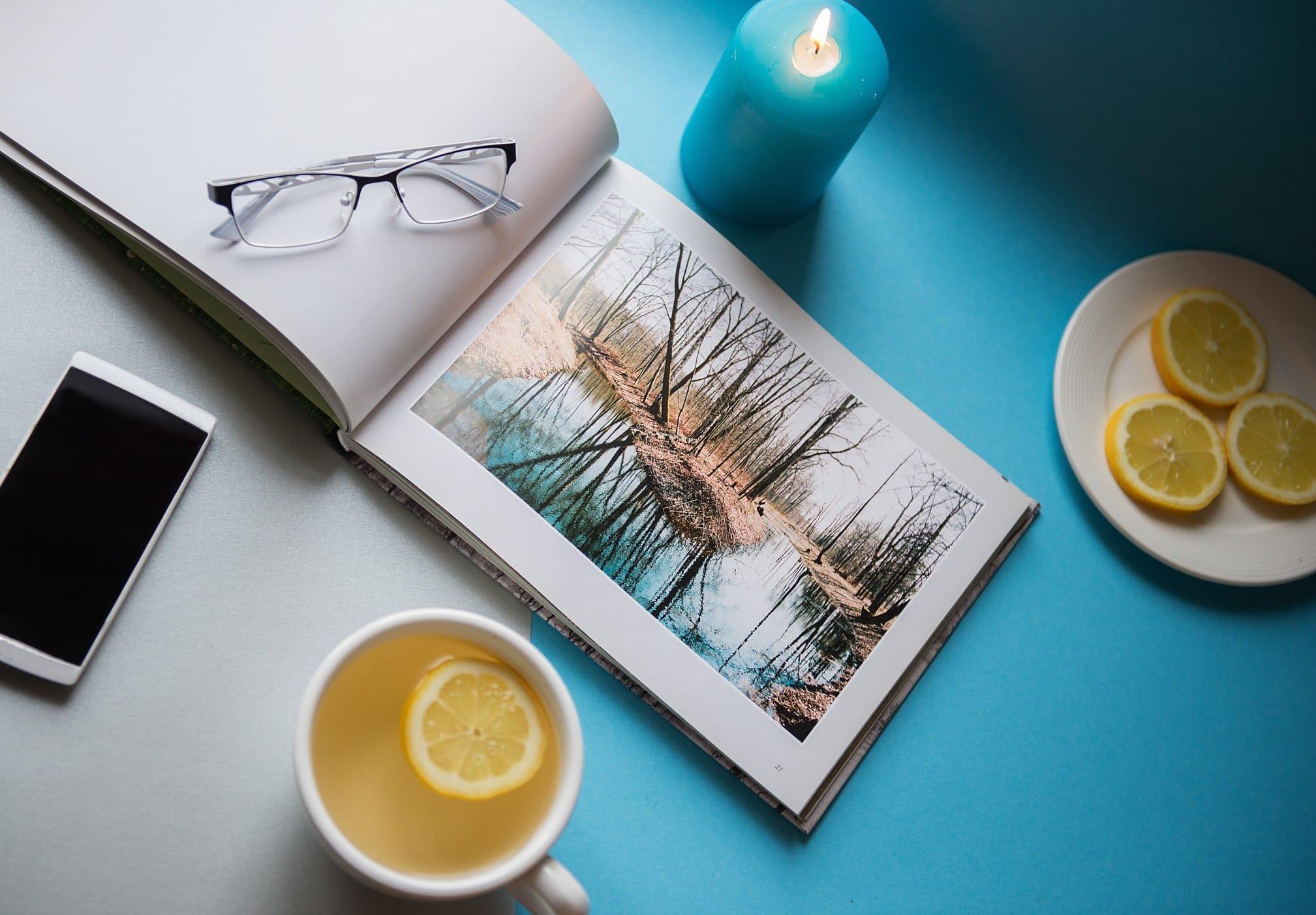 Ein Fotobuch als Geschenk weckt wundervolle Erinnerungen. Foto zelmabrezinska via Twenty20