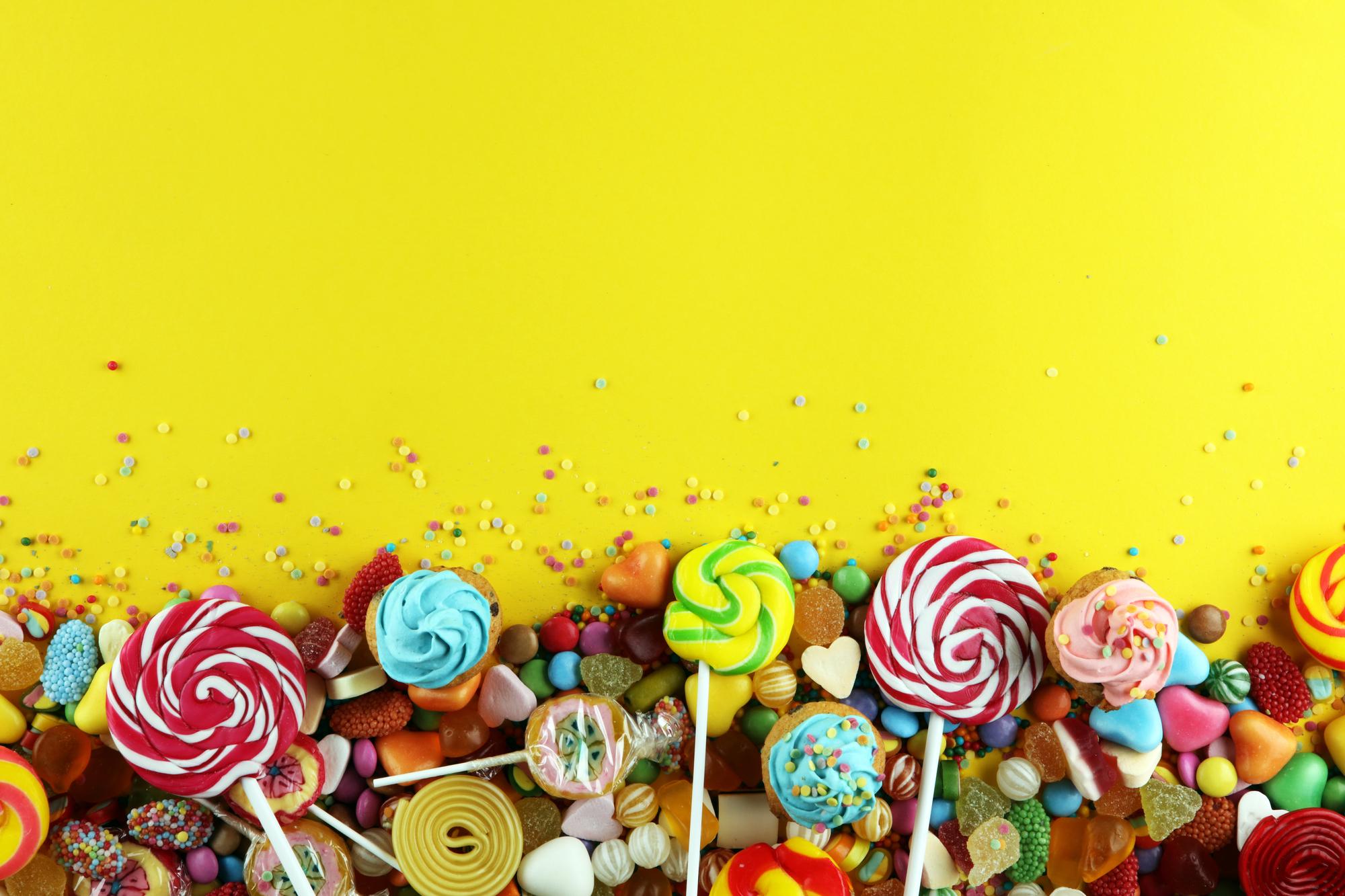 Für Naschkatzen, Süßigkeiten sind eine tolle Deko für die Fototapete in der Küche. Foto: beats1 via Depositphotos